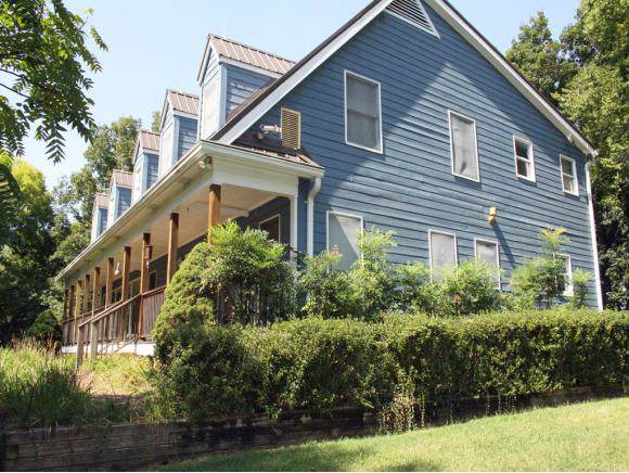 1403 Highway 81 N, Jonesborough, TN 37659 (MLS #427213) :: Bridge Pointe Real Estate