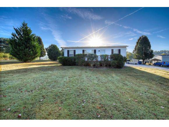 7022 Babbs Mill Rd, Greeneville, TN 37745 (MLS #427780) :: The Baxter-Milhorn Group