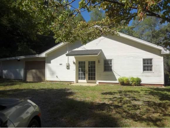 170 Geranium Dr, Gate City, VA 24251 (MLS #428431) :: Conservus Real Estate Group