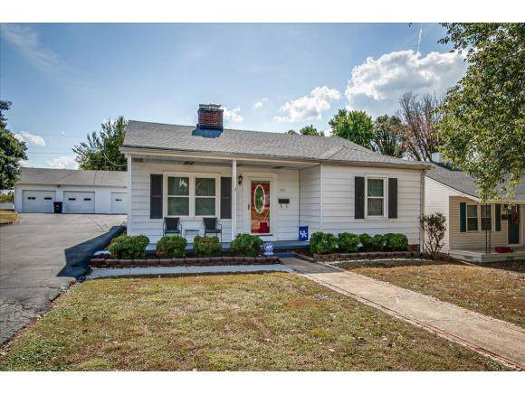 557 Jackson Street, Kingsport, TN 37660 (MLS #428578) :: The Baxter-Milhorn Group