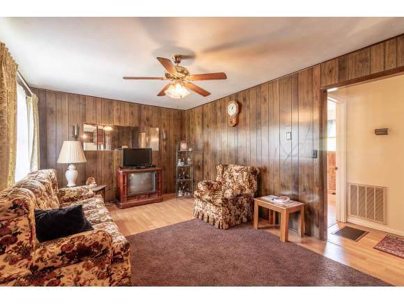 17478 Black Hollow Road, Abingdon, VA 24210 (MLS #428686) :: Highlands Realty, Inc.