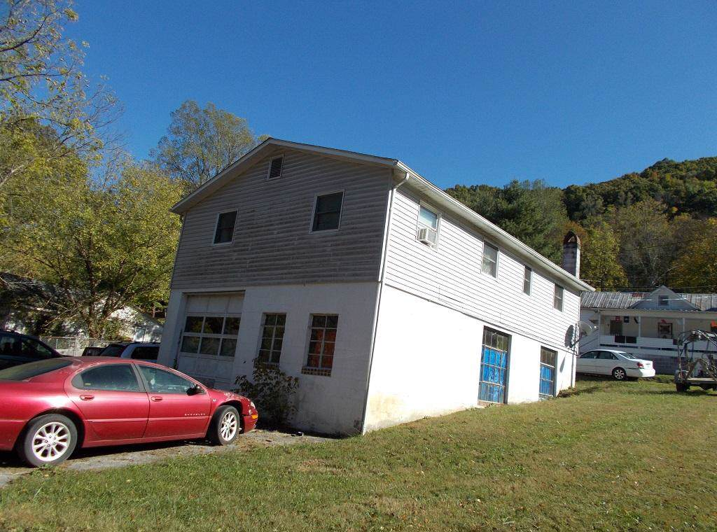 315 Ford Street - Photo 1