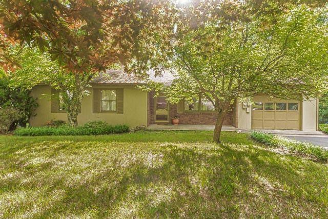 2200 Kings Bay Drive, Kingsport, TN 37660 (MLS #9910313) :: Highlands Realty, Inc.