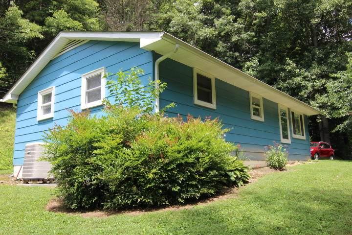 337 Crestwood Drive - Photo 1