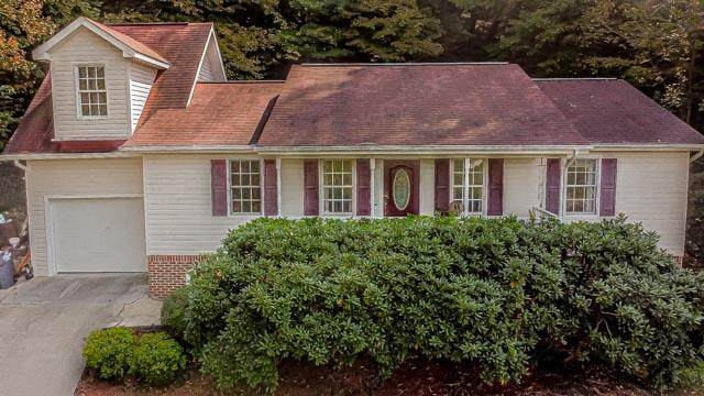 1009 Eastbrook Drive, Kingsport, TN 37663 (MLS #9913908) :: Red Door Agency, LLC