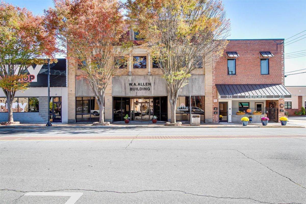 317 Cherokee Street - Photo 1