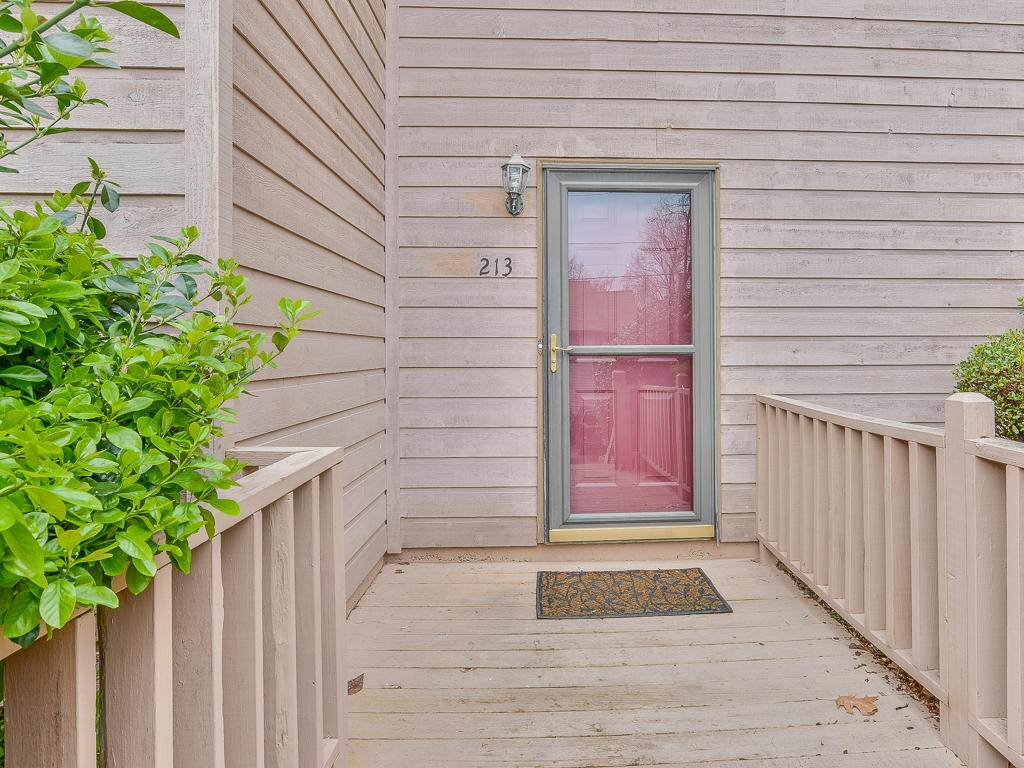 213 Windridge Colony - Photo 1