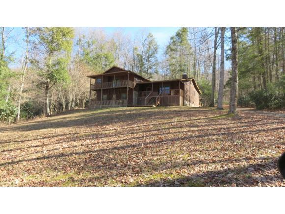 3350 Hughes Gap Road, Bakersville, NC 28705 (MLS #379675) :: Griffin Home Group