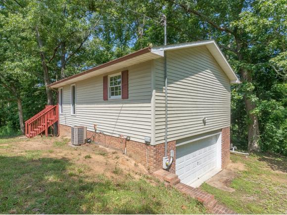 383 Horseshoe Bend Road, Rogersville, TN 37857 (MLS #400731) :: Highlands Realty, Inc.