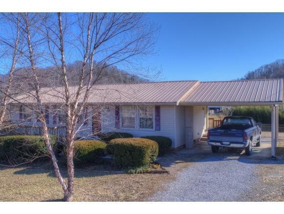 768 Carters Valley Road, Rogersville, TN 37857 (MLS #401664) :: Highlands Realty, Inc.