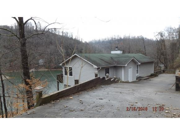 143 Big Oak Drive, Butler, TN 37640 (MLS #402526) :: Highlands Realty, Inc.
