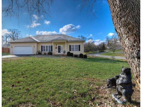 900 Althea St, Johnson City, TN 37601 (MLS #403660) :: Highlands Realty, Inc.