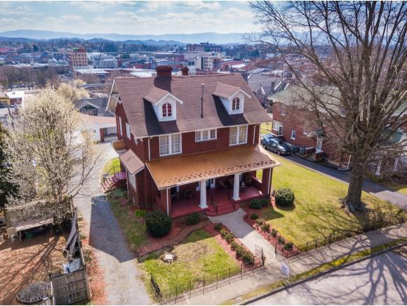 115 Solar St, Bristol, VA 24201 (MLS #404022) :: Conservus Real Estate Group