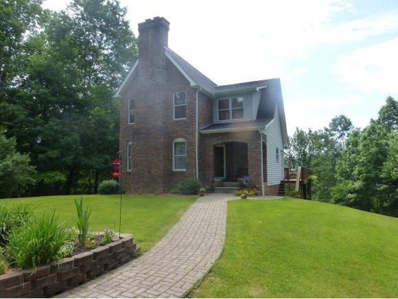109 Cecil D. Quillen Drive, Duffield, VA 24244 (MLS #404231) :: Highlands Realty, Inc.