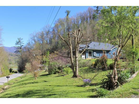 135 Harris Hollow, Erwin, TN 37650 (MLS #405542) :: Griffin Home Group