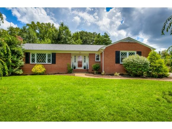 700 Forest Ave, Johnson City, TN 37601 (MLS #410787) :: Conservus Real Estate Group