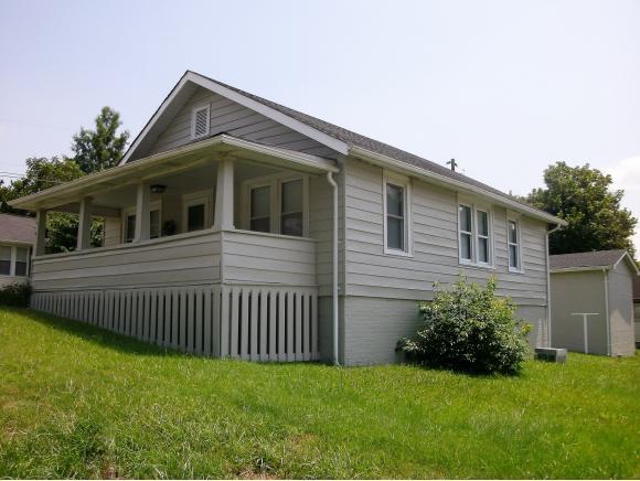 216 E. Cedar Street, Bristol, TN 37620 (MLS #411172) :: Highlands Realty, Inc.