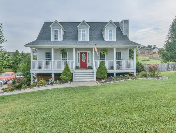 400 Walkers Bend, Gray, TN 37615 (MLS #411731) :: Highlands Realty, Inc.