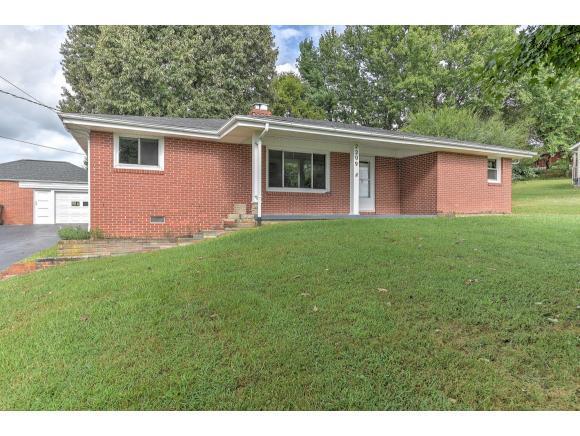 2209 Oak Street, Johnson City, TN 37615 (MLS #412241) :: Highlands Realty, Inc.