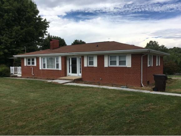 464 Jonesboro Road, Piney Flats, TN 37686 (MLS #412316) :: Highlands Realty, Inc.