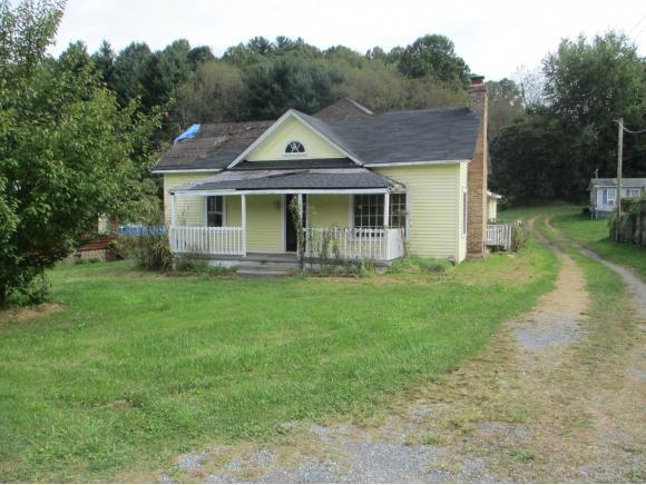 1073 St Clairs Creek Road, Chilhowie, VA 24319 (MLS #412906) :: Highlands Realty, Inc.