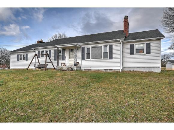 108 Maplehurst Lane, Bluff City, TN 37618 (MLS #417624) :: Griffin Home Group