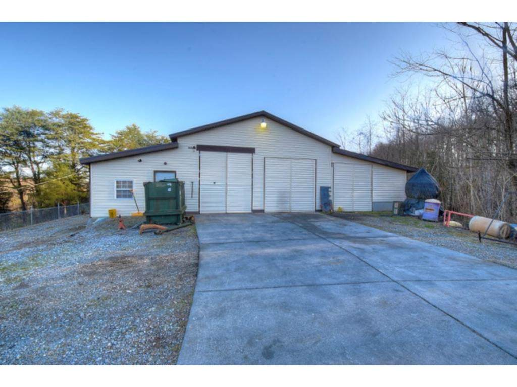 570 Hartmantown Road - Photo 1