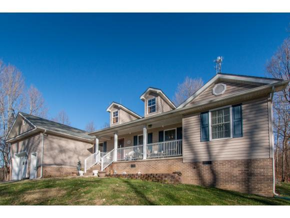 219 Wallace Pike, Bristol, VA 24202 (MLS #417686) :: Highlands Realty, Inc.