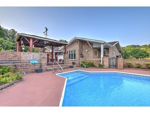 357 Springlake Rd, Bristol, VA 24201 (MLS #422609) :: Conservus Real Estate Group