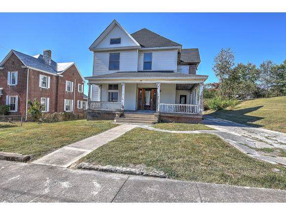 210 Oak St, Bristol, VA 24201 (MLS #428567) :: Conservus Real Estate Group