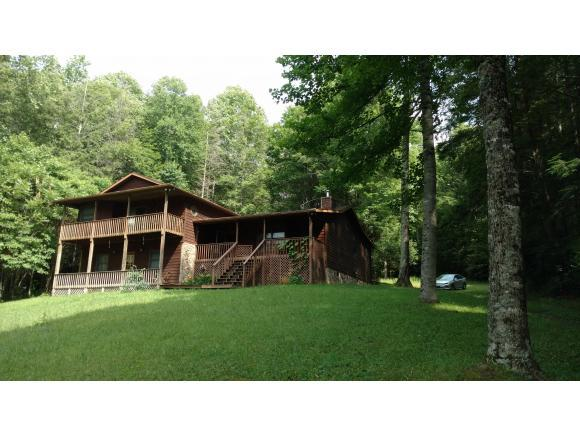 3350 Hughes Gap Road, Bakersville, NC 28705 (MLS #379675) :: Bridge Pointe Real Estate