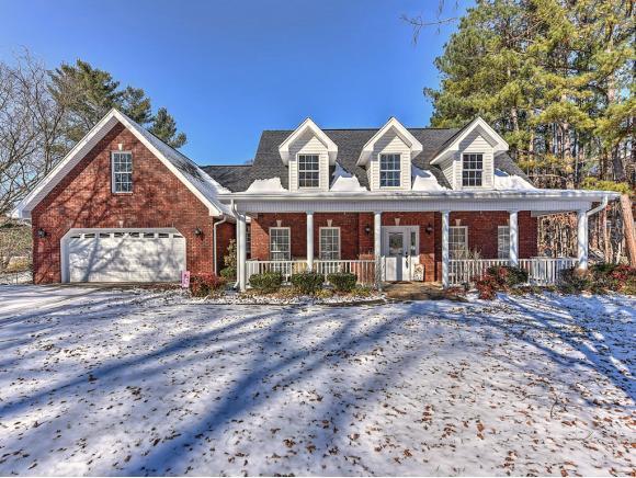 1230 Fall Creek Road, Kingsport, TN 37664 (MLS #401386) :: Conservus Real Estate Group