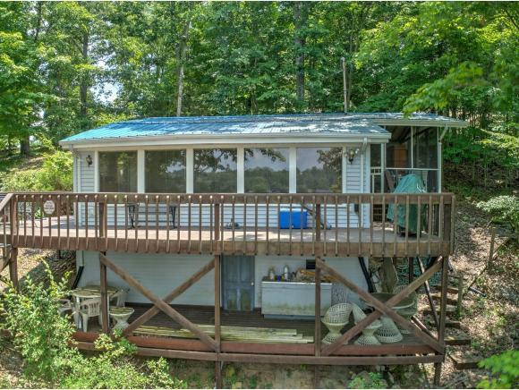760 Blue Heron Lane, Piney Flats, TN 37686 (MLS #409680) :: Highlands Realty, Inc.