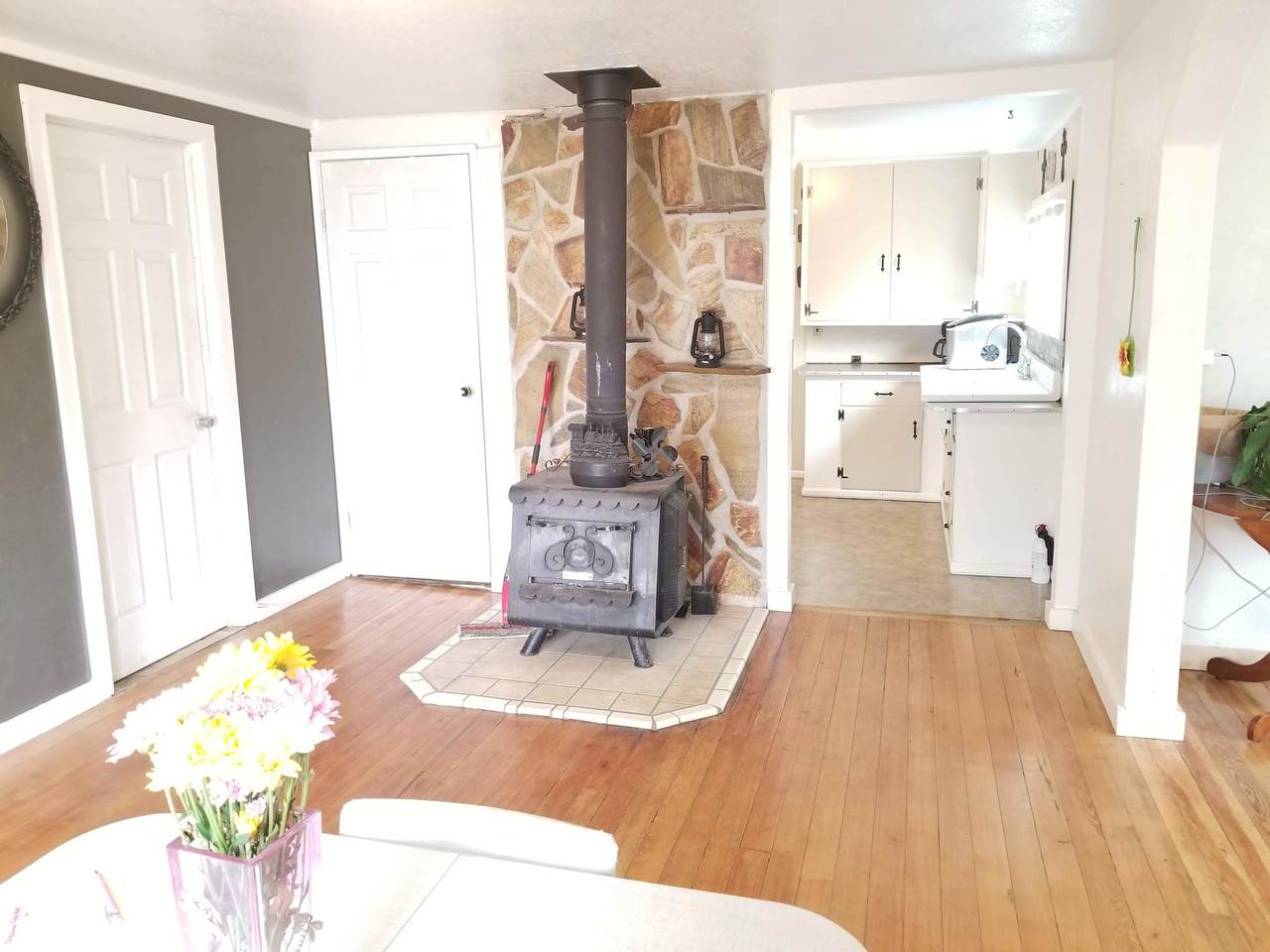 210 10TH Ave - Photo 1