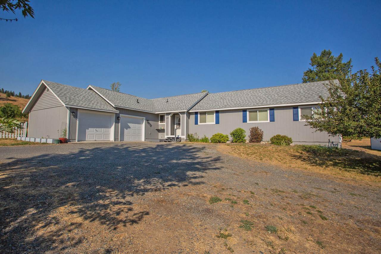 438 Meadow Ct - Photo 1