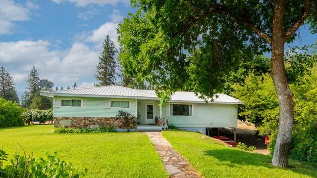 1055 A Hwy 395 N, KETTLE FALLS, WA 99141 (#40151) :: The Spokane Home Guy Group