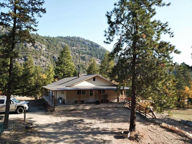 561 Kettle River Rd, CURLEW, WA 99118 (#40471) :: The Spokane Home Guy Group