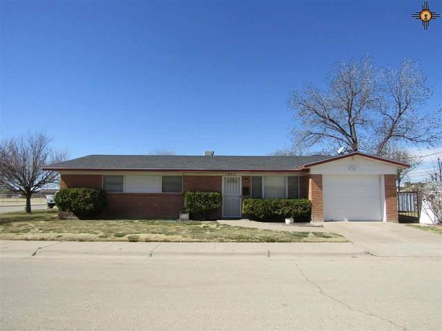 1402 W Champ Clark Ave., Artesia, NM 88210 (MLS #20210926) :: Rafter Cross Realty