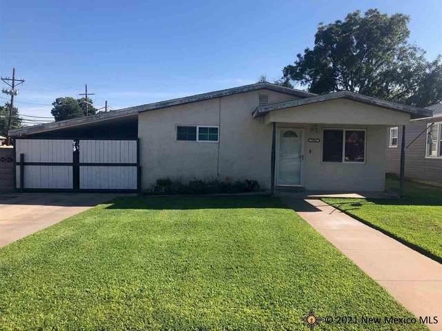 2301 Avenue C, Carlsbad, NM 88220 (MLS #20215166) :: Rafter Cross Realty