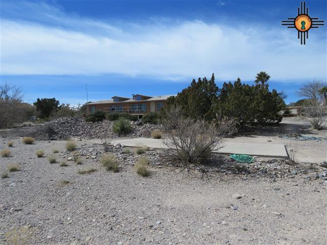 408 Catfish Rd, Elephant Butte, NM 87935 (MLS #20181064) :: Rafter Cross Realty