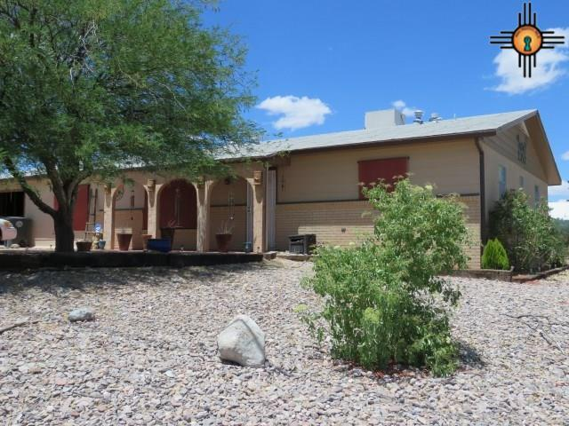 925 W Ninth, Truth Or Consequences, NM 87901 (MLS #20182250) :: Rafter Cross Realty