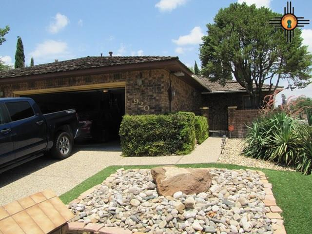 920 W Mesa Verde, Hobbs, NM 88240 (MLS #20182959) :: Rafter Cross Realty