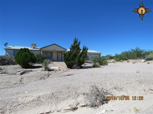 713 San Andres, Elephant Butte, NM 87935 (MLS #20184674) :: Rafter Cross Realty