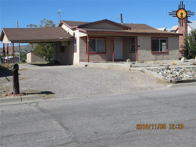 712 Silver, Truth Or Consequences, NM 87901 (MLS #20185240) :: Rafter Cross Realty