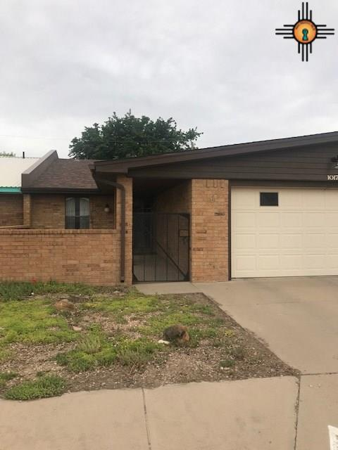 1017 W Caprock Dr., Hobbs, NM 88240 (MLS #20192364) :: Rafter Cross Realty