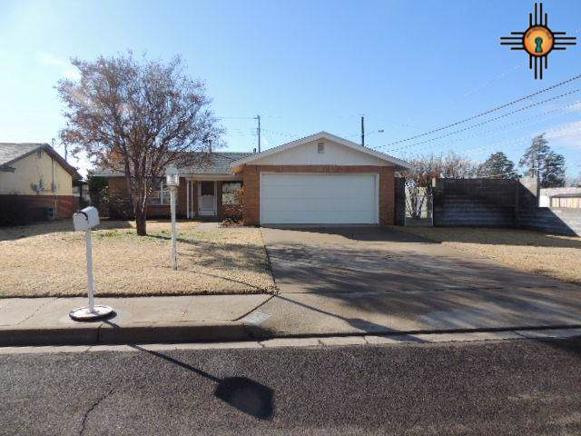 725 W Iron, Hobbs, NM 88240 (MLS #20200380) :: Rafter Cross Realty
