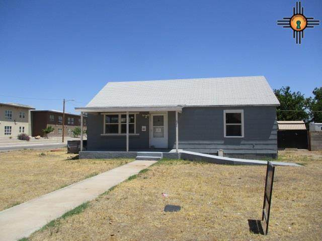 811 S 4th St, Artesia, NM 88210 (MLS #20203572) :: Rafter Cross Realty