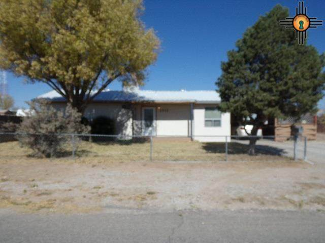 2312 W Missouri Ave., Artesia, NM 88210 (MLS #20205120) :: Rafter Cross Realty