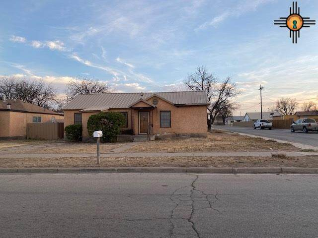 1115 W Chisum Ave, Artesia, NM 88210 (MLS #20205339) :: Rafter Cross Realty