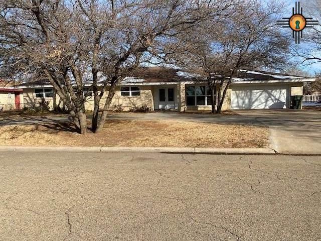 1028 Fairway Terrace, Clovis, NM 88101 (MLS #20210221) :: Rafter Cross Realty